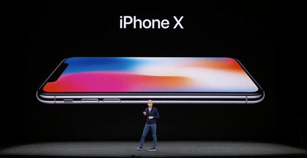 iPhone X  presented by Tim Cook
