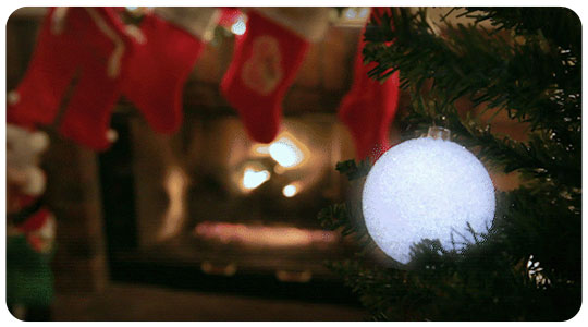 aura-wireless-christmas-tree-lights