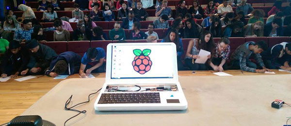 pi-top-raspberry-pi-3d-printed-laptop