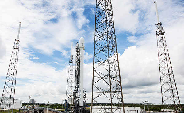 SpaceX Falcon - Pics about space