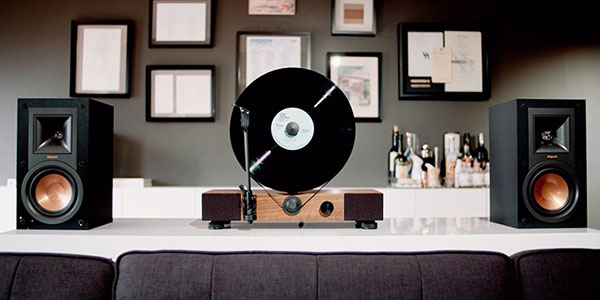 gramovox-floating-record