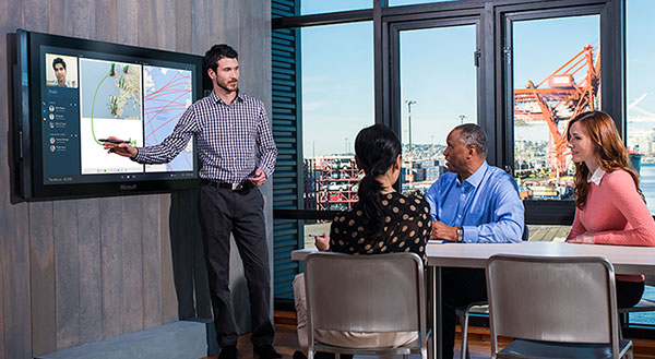 microsoft-surface-hub-interactive-display-business-collaboration