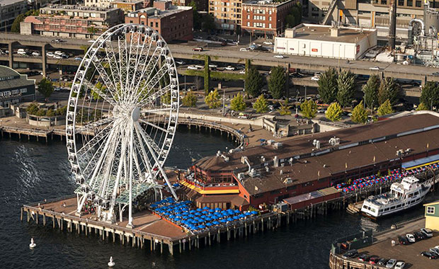 seattle-great-wheel-drone-collision