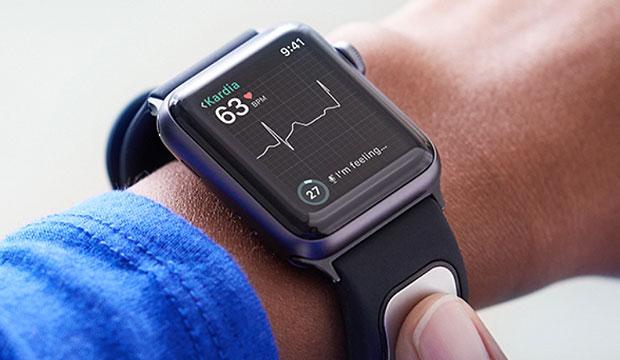 alivecor-kardiaband-apple-watch-ekg-reader